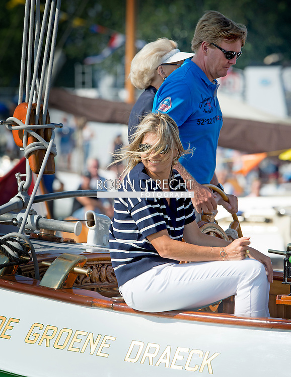 22-8-2015 AMSTERDAM - King Willem Alexander and Queen Maxima and princess Amalia , princess Ariane , princess Alexia  and Princess Beatrix and Princess Mabel Countess Luana and Zaria sail on the  &bdquo;Groene DRaeck &bdquo;  Green Dragon during sail 2015 in Amsterdam . COPYRIGHT ROBIN UTRECHT<br /> 22-8-2015 AMSTERDAM - Koning Willem Alexander en koningin Maxima en prinses Amalia, prinses Ariane, prinses Alexia en Prinses Beatrix en prinses Mabel varen op de &quot;Groene Draeck&quot; Green Dragon tijdens Sail 2015 in Amsterdam. COPYRIGHT ROBIN UTRECHT