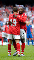 Fotball<br /> Foto: Jed Wee, Digitalsport<br /> NORWAY ONLY<br /> England v Island<br /> <br /> England v Iceland, Manchester Tournament, 05/06/2004.<br /> England's Darius Vassell (R) is congratulated by Joe Cole after his second goal.