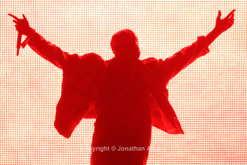 Rapper Kanye West performs during the Made in American Music Festival in Los Angeles, California on August 31, 2014. REUTERS/Jonathan Alcorn  (UNITED STATES)