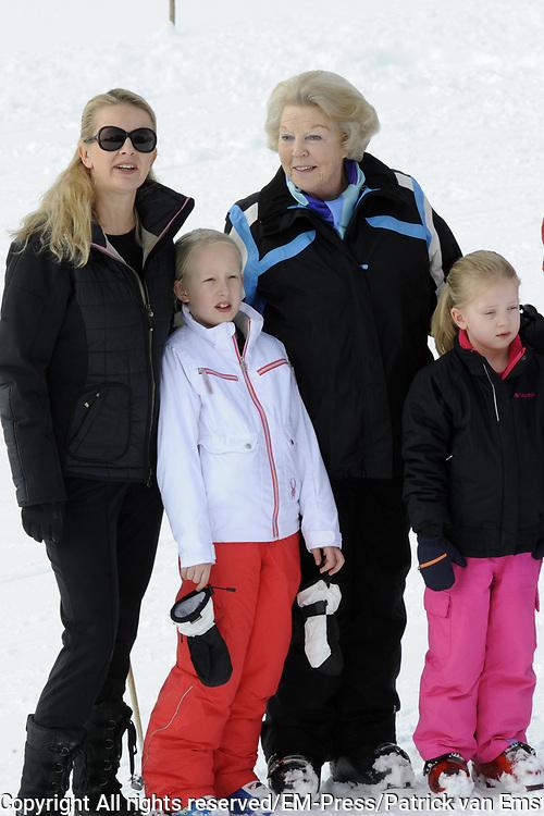 Fotosessie met de koninklijke familie in Lech /// Photoshoot with the Dutch royal family in Lech .<br /> <br /> Op de foto / On the photo:  Prinses Mabel met haar kinderen Luana en Zaria en Prinses Beatrix ///// Prinsess Mabel with her kids Luana en Zaria and Prinsess Beatrix