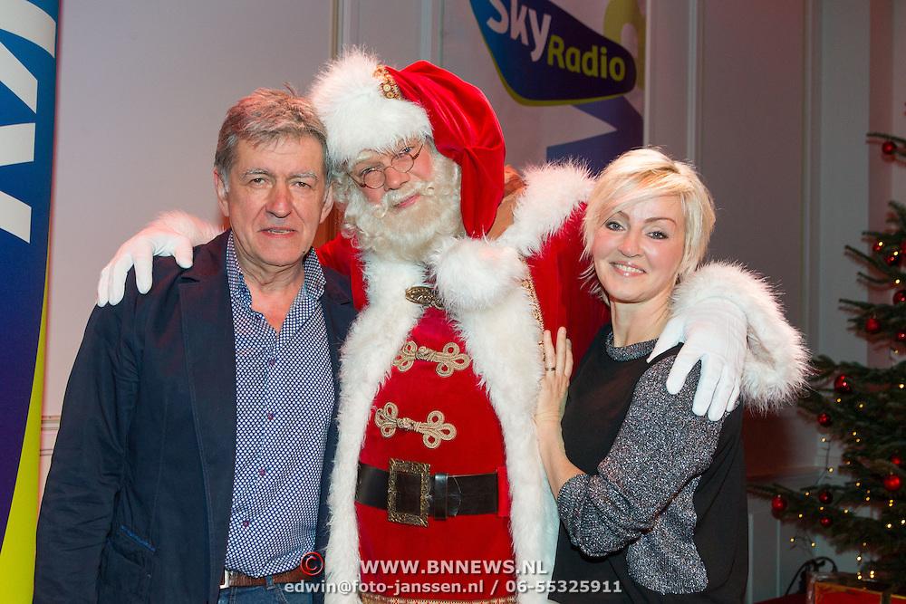 NLD/Hilversum/20151207- Sky Radio's Christmas Tree for Charity, Bartho Braat en Lone van Roosendaal