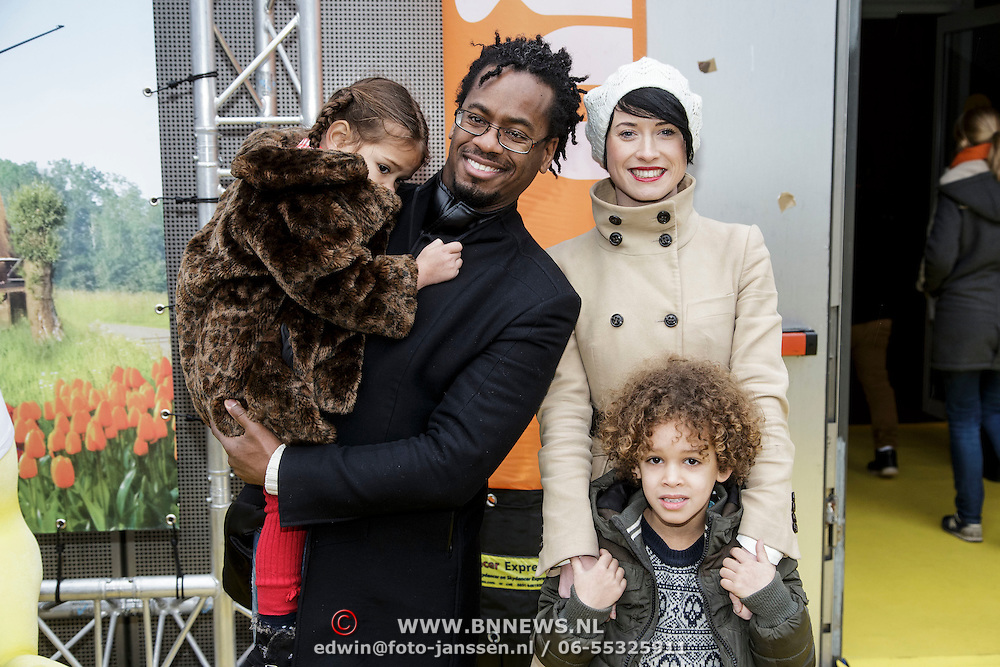 NLD/Amsterdam/20150125 - Premiere Spongebob in 3D - Sponge op het Droge, Rogier Komproe, partner en dochter Alfie en zoon Noa