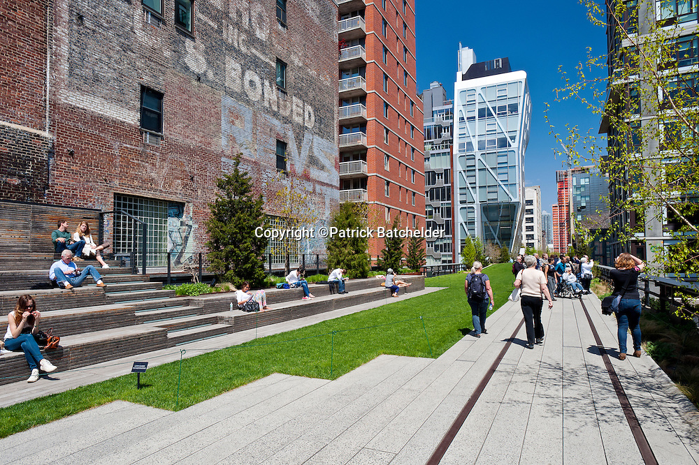 The High Line Park in the Chelsea neighborhood of Manhattan, New York City, with the HL23 apartment building by architect Neil Denari.