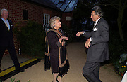 Dame Vivien Duffield and Arnaud Bamberger. Cartier dinner after thecharity preview of the Chelsea Flower show. Chelsea Physic Garden. 23 May 2005. ONE TIME USE ONLY - DO NOT ARCHIVE  © Copyright Photograph by Dafydd Jones 66 Stockwell Park Rd. London SW9 0DA Tel 020 7733 0108 www.dafjones.com