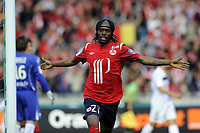 FOOTBALL - FRENCH CHAMPIONSHIP 2010/2011 - L1 - LILLE OSC v AC ARLES AVIGNON - 30/04/2011 - PHOTO JEAN MARIE HERVIO / DPPI - JOY GERVINHO (LOSC) AFTER HIS GOAL