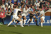 EDF Energy Cup, Quins, Hal LUSCOMBE going for the gap, during the NEC Harlequins vs Sale Sharks match at the Stoop Stadium, Twickenham. 07/10/2006 . [Photo, Peter Spurrier/Intersport-images]..
