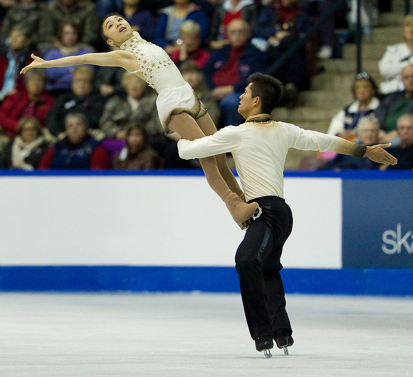 GJR412 -20111029- Mississauga, Ontario,Canada-  Narumi Takahashi and Mervin Tran of Japan skate their free skate in the pairs competition at Skate Canada International, in Mississauga, Ontario, October 29, 2011.<br /> AFP PHOTO/Geoff Robins