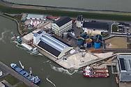 Op 23 november 2016 gaf de Raad van state groen licht voor de omstreden zoutwinning onder de Waddenzee, in oktober nog uitgeroepen tot het mooiste natuurgebied van Nederland. De ingediende bezwaren door natuur- en milieuorganisaties werden afgewezen. Zij zijn bezorgd over de negatieve gevolgen van de mogelijke daling van de zeebodem van de Waddenzee. Frisia Zout (foto), gevestigd langs de Waddenzeedijk in de Nieuwe Industriehaven in Harlingen, bezit nu alle benodigde vergunningen voor het winnen van zout in het beschermde Werelderfgoed Waddenzee
