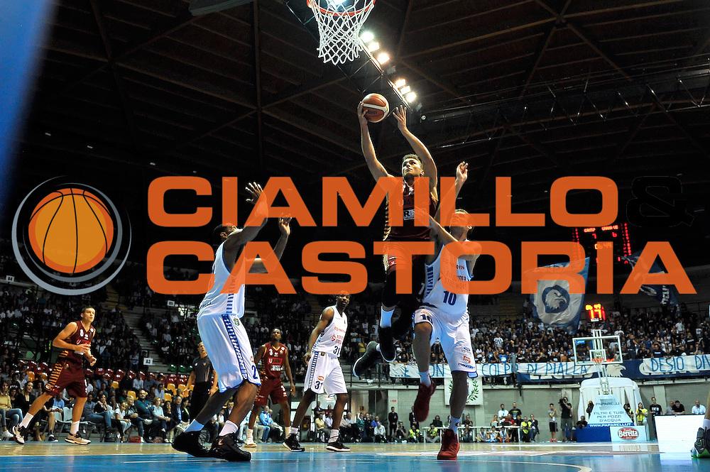Stefano Tonut<br /> Red October Cantu' Umana Reyer Venezia<br /> Basket serie A 2016/2017<br /> Milano 03/10/2016<br /> Foto Ciamillo-Castoria