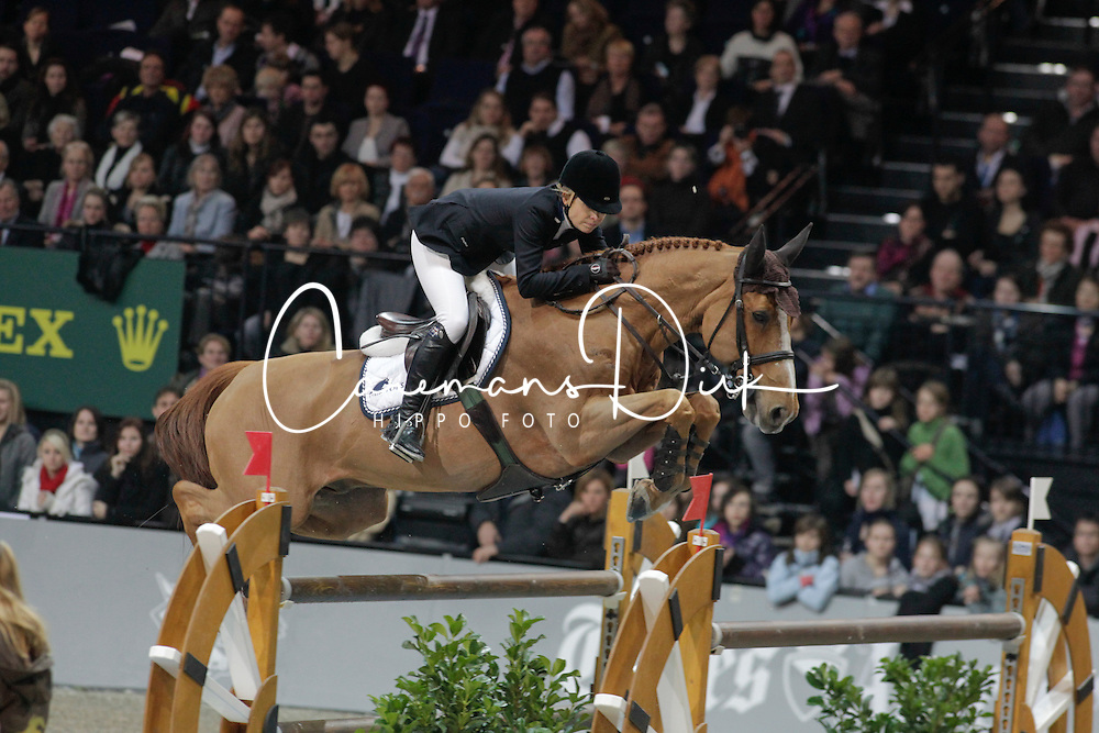 Alexander Edwina (AUS) - Itot du Chateau<br /> 3th in the Rolex FEI World Cup Zurich 2011<br /> &copy; Dirk Caremans