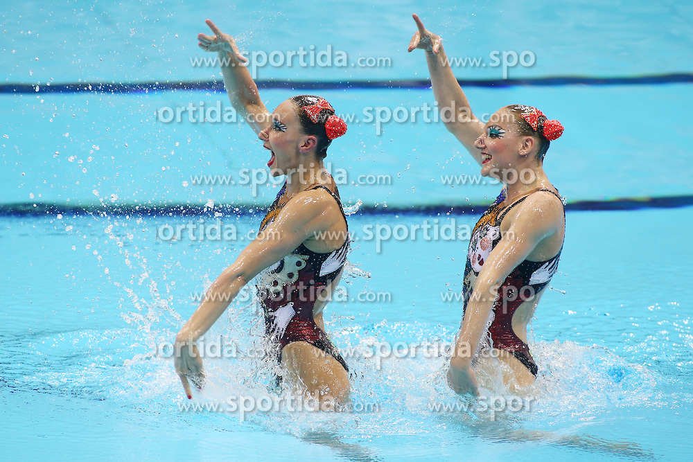 Olympics - London 2012 Olympic Games - 7/8/12.Synchronised Swimming - Women's Duets - J Russia's Natalya Ischenko and Svetlana Romashina .© pixathlon