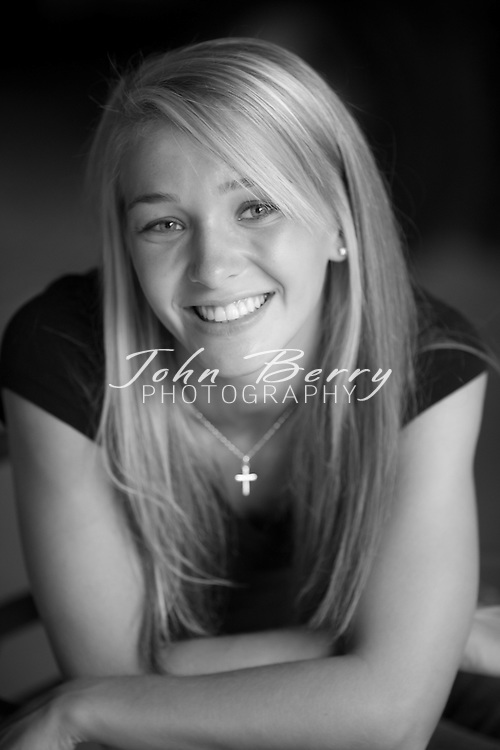 Ashley Sealander .Senior Portraits  .8/30/09