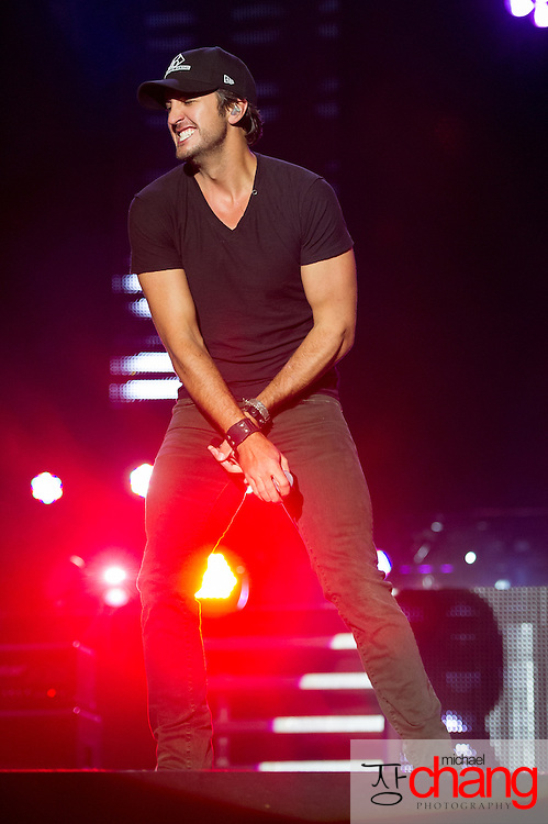Luke Bryan performs at Bay Fest on Sunday, Oct. 7, 2012, in Mobile, Ala. (Bay Fest/ Michael Chang)
