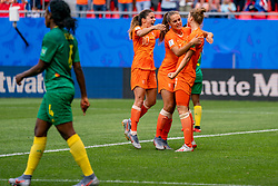 15-06-2019 FRA: Netherlands - Cameroon, Valenciennes<br /> FIFA Women's World Cup France group E match between Netherlands and Cameroon at Stade du Hainaut / Vivianne Miedema #9 of The Netherlands scores 1-0, Danielle van de Donk #10 of The Netherlands, Lieke Martens #11 of The Netherlands