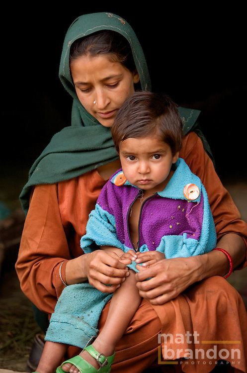 A Gujjar mother and child.