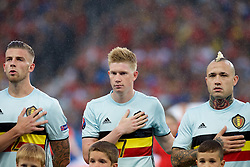 LILLE, FRANCE - Friday, July 1, 2016: Belgium's Kevin De Bruyne and Radja Nainggolan ahead of the UEFA Euro 2016 Championship Quarter-Final match against Wales at the Stade Pierre Mauroy. (Pic by Paul Greenwood/Propaganda)