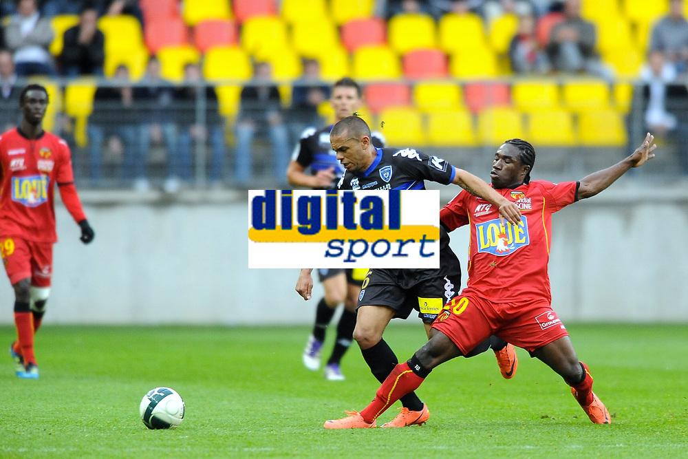 FOOTBALL - FRENCH CHAMPIONSHIP 2011/2012 - LE MANS FC v SC BASTIA   - 4/05/2015 - PHOTO PASCAL ALLEE / DPPI - GAEL ANGOULA (BASTIAS) / JEFF LOUIS (LE MANS)