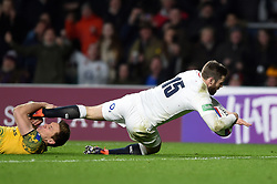Elliot Daly of England scores a try in the second half - Mandatory byline: Patrick Khachfe/JMP - 07966 386802 - 24/11/2018 - RUGBY UNION - Twickenham Stadium - London, England - England v Australia - Quilter International