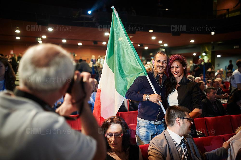 Supporter di 'Sovranit&agrave;' al Teatro Brancaccio durante un comizio di Matteo Salvini, Roma 11 Maggio 2015. Christian Mantuano / OneShot <br /> <br /> Supporter of 'Sovranit&agrave;' at the Teatro Brancaccio during a rally by Matteo Salvini, Rome May 11, 2015. Christian Mantuano / OneShot