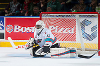 KELOWNA, CANADA - JANUARY 23: Michael Herringer #30 of Kelowna Rockets makes a save against the Medicine Hat Tigers on January 23, 2016 at Prospera Place in Kelowna, British Columbia, Canada.  (Photo by Marissa Baecker/Shoot the Breeze)  *** Local Caption *** Michael Herringer;