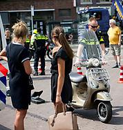 HAARLEM - Snelheidskontrole bromfietsen/scooters politie Haarlem controle , rollerband , snelheid , voertuig , boete , BEKEURING   controle   helm   motoragent   Ochtend   Paleis   politie   Politieagent   politieagente   politiemotor   Proces   proces verbaal   rijbewijs   rollerbank   Scholier   school   schooltijd   scooter   scootercontrole