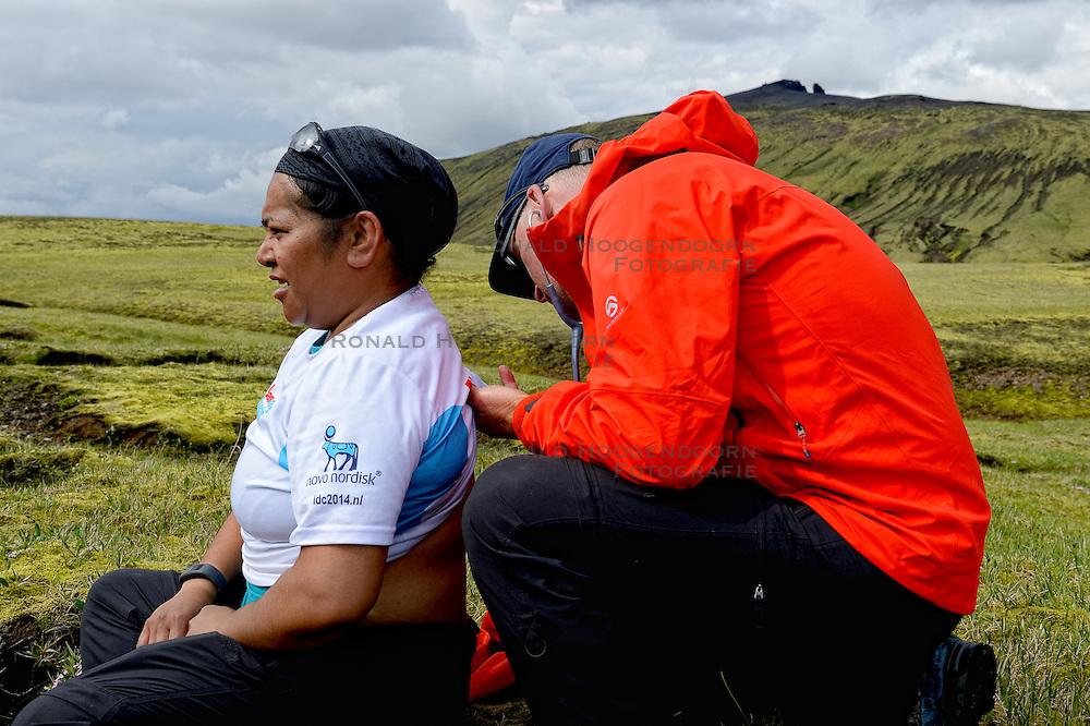 09-07-2014 ISL: Iceland Diabetes Challenge Dag 5, Emstrur<br /> Van Alftavatn naar Emstrur / Ellen Liklikwatil, Bas Houweling