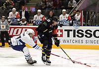 Champions League Ice Hockey, 18. august 2016 ,  Stavanger Oilers v HK Nitra<br />Christian Dahl-Andersen of Stavanger Oilers in action v Filip Kuzma of HK Nitra<br />Foto: Andrew Halseid Budd , Digitalsport