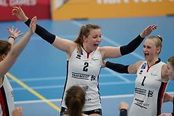20190112 NED: Sliedrecht Sport - VC Sneek: Sliedrecht<br />Brechtje Kraaijvanger (2) of Sliedrecht Sport, Christie Wolt (1) of Sliedrecht Sport <br />©2019-FotoHoogendoorn.nl / Pim Waslander