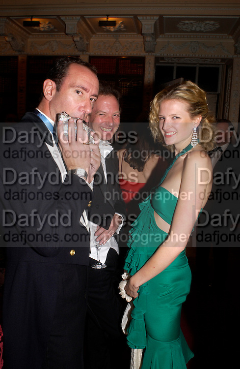 Robert Hanson Ball at Blenheim Palace in aid of the Red Cross, Woodstock, 26 June 2004. SUPPLIED FOR ONE-TIME USE ONLY-DO NOT ARCHIVE. © Copyright Photograph by Dafydd Jones 66 Stockwell Park Rd. London SW9 0DA Tel 020 7733 0108 www.dafjones.com