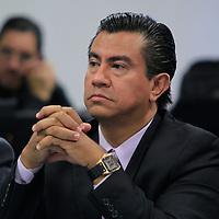 Toluca, México.- Antonio Morales Garduño, Fiscal Especializado de Delitos contra el Transporte durante una reunión con concesionarios del Transporte en el Valle de Toluca en donde hablaron sobre la inseguridad que se vive en el transporte público. Agencia MVT / Crisanta Espinosa