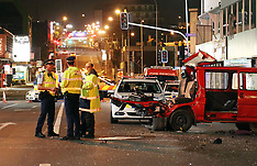 Auckland-Two injured in van collision fleeing from police, Newmarket