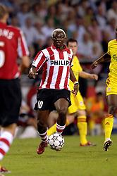 12-09-2006 VOETBAL: CHAMPIONS LEAGUE: PSV - LIVERPOOL: EINDHOVEN<br /> PSV en Liverpool eindigt zoals ze begonnen zijn 0-0 / Arouna Kone<br /> ©2006-WWW.FOTOHOOGENDOORN.NL