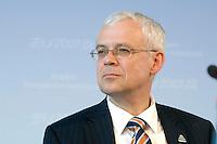 29 JUN 2007, POTSDAM/GERMANY:<br /> Vladimir Spidla, EU-Kommissar fuer Beschaeftigung, waehrend einer Pressekonferenz, 50 Jahre Europaeischer Sozialfonds, Kongresshotel am Templiner See<br /> IMAGE: 20070629-01-134