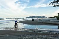 Praia do Campeche. Florianópolis, Santa Catarina, Brasil. / Campeche Beach. Florianopolis, Santa Catarina, Brazil.