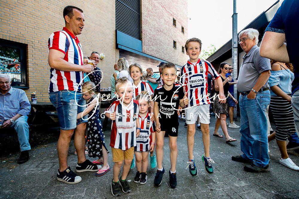 Young supporters of Willem II
