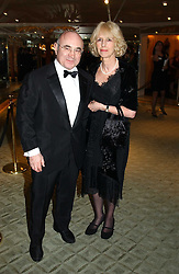 Actor BOB HOSKINS and his wife LINDA at the 25th annual Awards of the London Film Critics' Circle in aid of the NSPCC held at The Dorchester Hotel, Park Lane, London W1 on 9th February 2005.<br /><br />NON EXCLUSIVE - WORLD RIGHTS