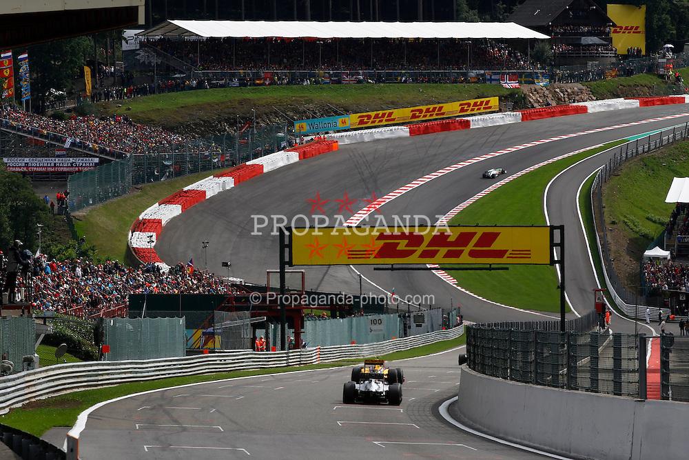 Motorsports / Formula 1: World Championship 2010, GP of Belgium, 03 Michael Schumacher (GER, Mercedes GP Petronas),   12 Vitaly Petrov (RUS, Renault F1 Team),