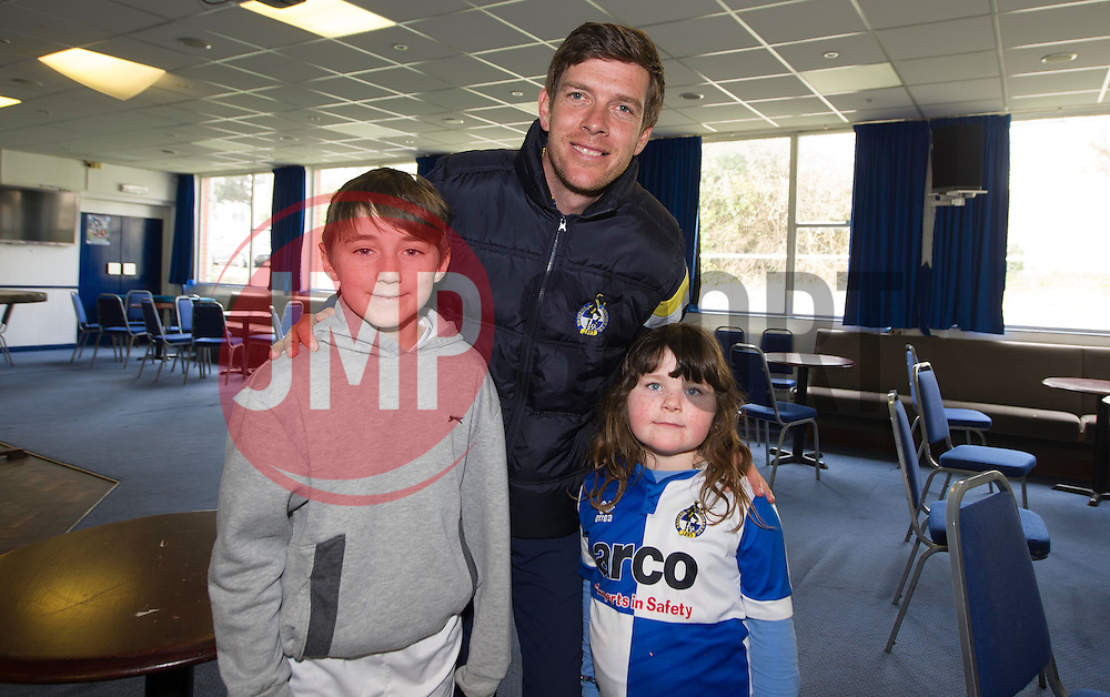 Bristol Rovers manager Darrell Clarke pictured with bristol rovers fans. - Photo mandatory by-line: Alex James/JMP - Mobile: 07966 386802 - 31/03/2015 - SPORT - Football - Bristol - Memorial Stadium - Vanarama Football Conference - Bristol Rovers Open Training Session