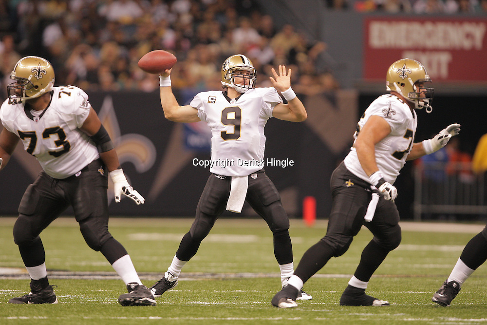 2008 October, 12: New Orleans Saints quarterback Drew Brees (9) in action during a week six regular season game between the Oakland Raiders and the New Orleans Saints at the Louisiana Superdome in New Orleans, LA.