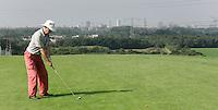 MIERLO - GC de Gulbergen met de skyline van Eindhoven.