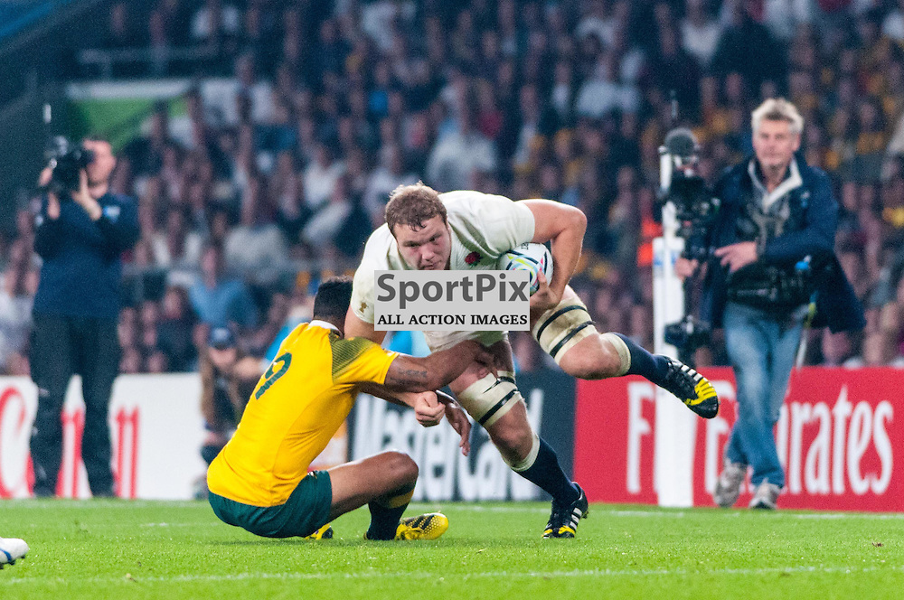 Joe Launchbury of England is tackled by Will Genia of Australia. Action from the England v Australia game in Pool A of the 2015 Rugby World Cup at Twickenham in London, 3 October 2015. (c) Paul J Roberts / Sportpix.org.uk