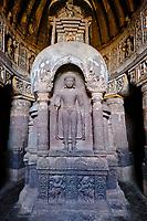 Inde, état de Maharashtra, Ajanta, grottes d'Ajanta classées au Patrimoine mondial de l'UNESCO, grotte N°19// India, Maharashtra, Ajanta cave temple, Unesco World Heritage, cave N°19