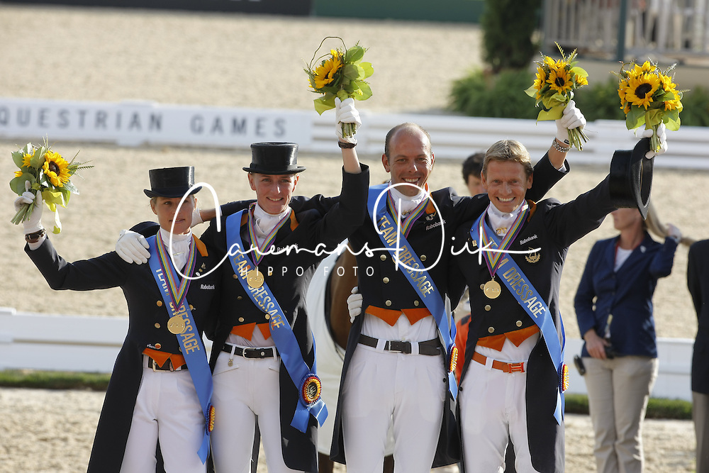 Team Holland <br /> Adelinde Cornelissen, Imke Schellekens, Hans Peter Minderhoud, Edward Gal<br /> Alltech FEI World Equestrian Games <br /> Lexington - Kentucky 2010<br /> &copy; Dirk Caremans
