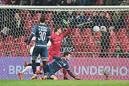 FODBOLD: Pascal Gregor (FC Helsingør) header bolden i eget net under kampen i ALKA Superligaen mellem FC København og FC Helsingør den 12. marts 2018 i Telia Parken. Foto: Claus Birch.