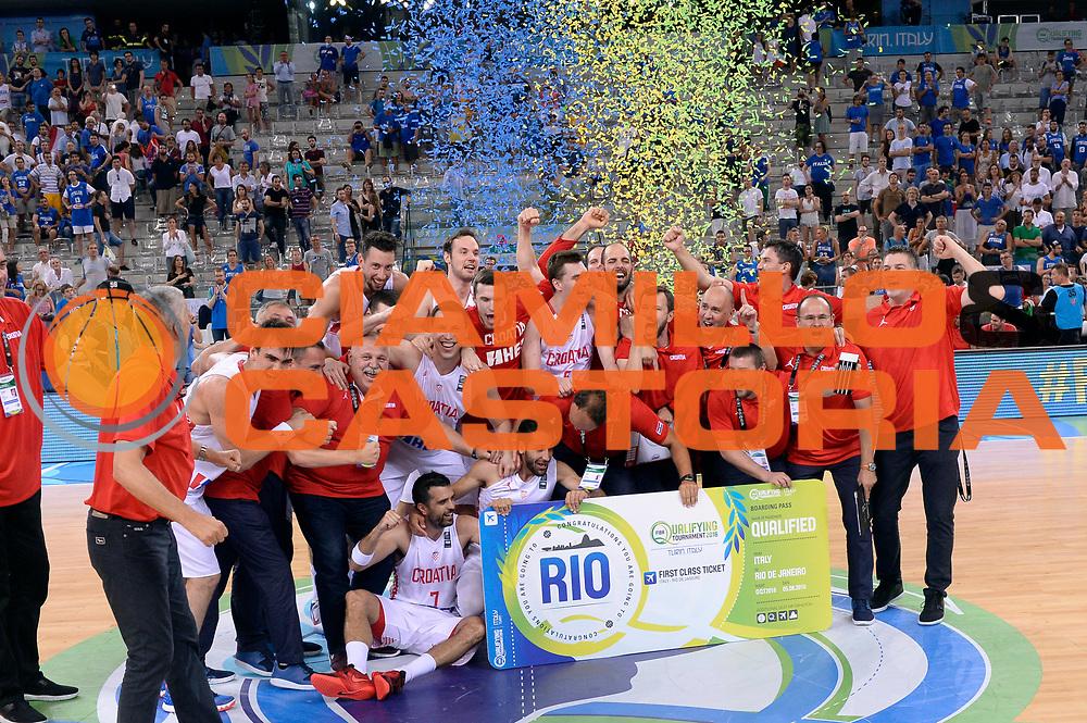 DESCRIZIONE: Torino Turin 2016 FIBA Olympic Qualifying Tournament Finale Final Italia Croazia Italy Croatia<br /> GIOCATORE : team <br /> CATEGORIA : premiazione<br /> SQUADRA : Croazia Croatia<br /> EVENTO : 2016 FIBA Olympic Qualifying Tournament <br /> GARA : 2016 FIBA Olympic Qualifying Tournament Finale Final Italia Croazia Italy Croatia<br /> DATA : 09/07/2016<br /> SPORT: Pallacanestro<br /> AUTORE : Agenzia Ciamillo-Castoria/Max.Ceretti <br /> Galleria : 2016 FIBA Olympic Qualifying Tournament <br /> Fotonotizia : Torino Turin 2016 FIBA Olympic Qualifying Tournament Finale Final Italia Croazia Italy Croatia<br /> Predefinita :