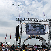 NLD/Terneuzen/20190831 - Start viering 75 jaar vrijheid, Fly By langs het podium van drie gevechtsvliegtuigen