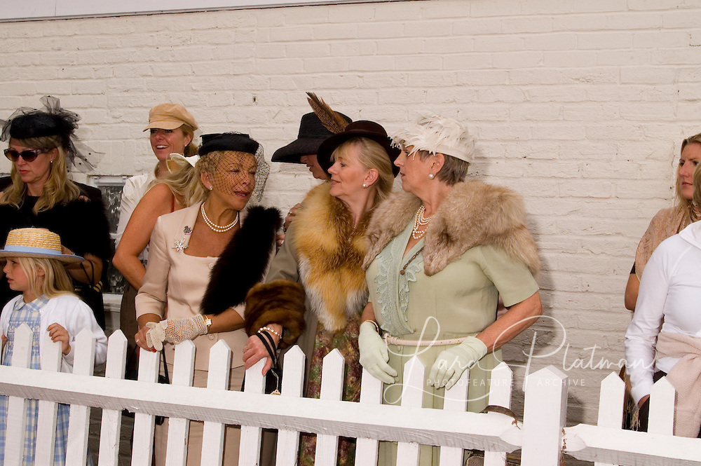Ladies at Goodwood Revival Ladies at Goodwood