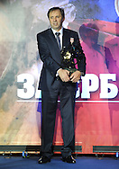 FUDBAL, BEOGRAD, 28. Dec. 2010. - Najbolji srpski trener Milovan Rajevac. Na svecanosti odrzanoj u hotelu 'Hajat' Fudbalski savez Srbije urucio je 'Zlatne lopte' Milovanu Rajevcu, najboljem srpskom treneru i Dejanu Stankovicu, najboljem fudbaleru u 2010. godini. Foto: Nenad Negovanovic