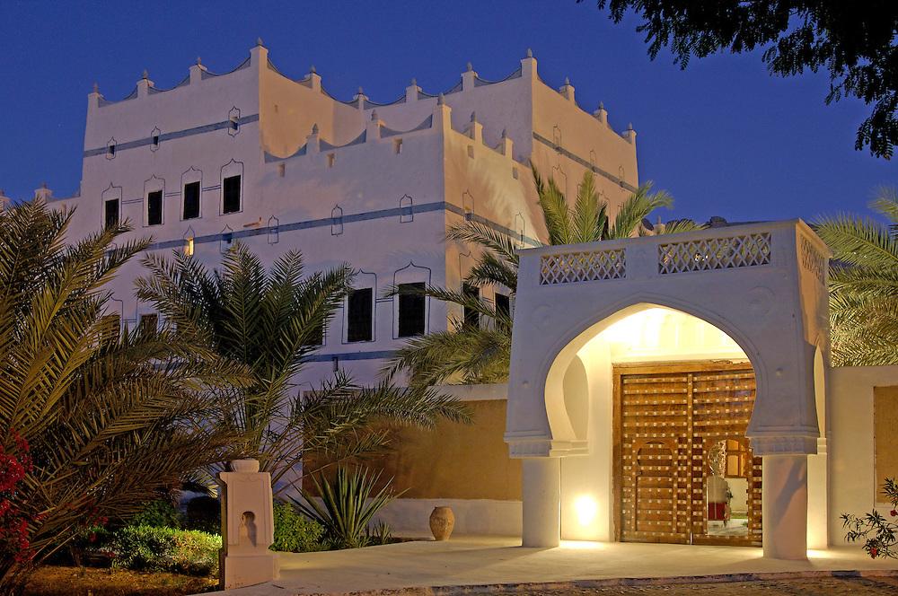 Doorway, Al Hawta Palace Hotel, Al Hawta, Wadi Hadramaut, South Yemen, Yemen, Arabian Peninsula