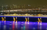 Dongho Bridge in Seoul April 8, 2014. Photo by Lee Jae-Won (SOUTH KOREA) www.leejaewonpix.com/